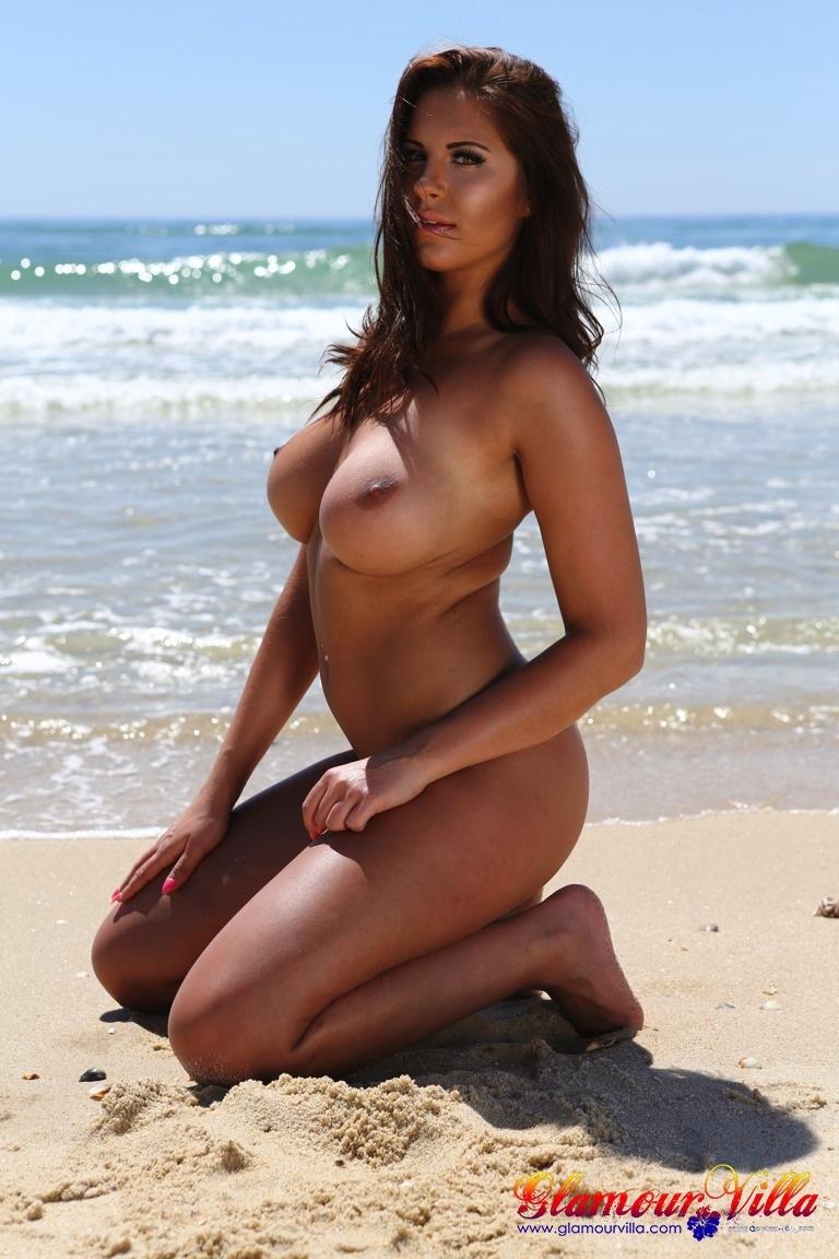 http://www.glamourvilla.com/wp-content/gallery/set-xx-jess-sheers-set-1/LIoXgRrAf0.jpg